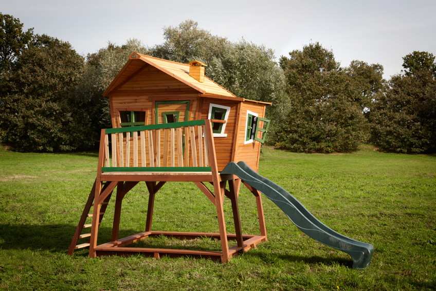 kinder holz spielhaus gro hoch comic kinderspielhaus auf stelzen rutsche vom spielger te. Black Bedroom Furniture Sets. Home Design Ideas