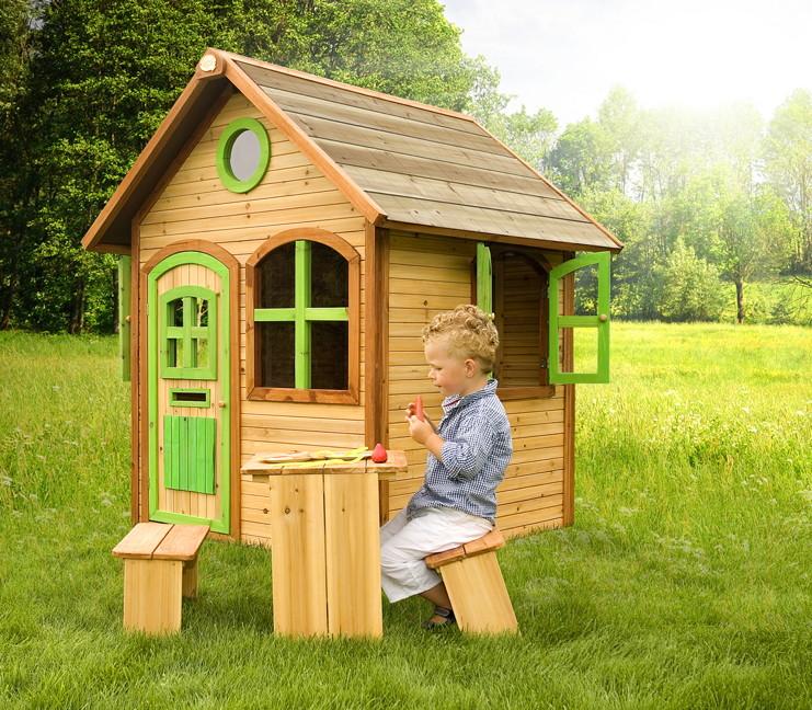 holz kinder spielhaus gartenspielhaus mit t r fenster farbig lasiert vom spielger te fachh ndler. Black Bedroom Furniture Sets. Home Design Ideas